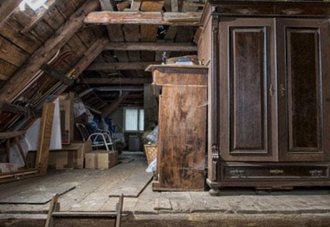Dachbodenräumung